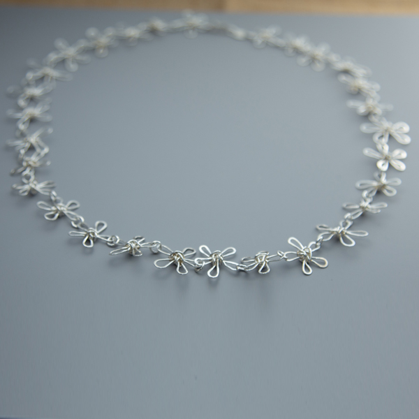 daisy-chain-necklace-WDCN-01