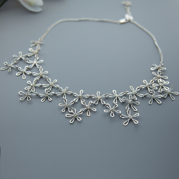 daisy-necklace-flow-WDN-01