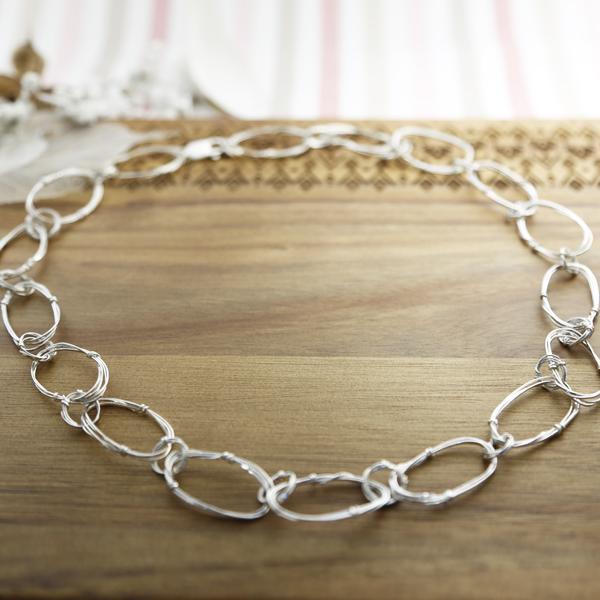 oval-links-necklace-02