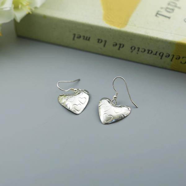 stamped-heart-earrings-MH2HE