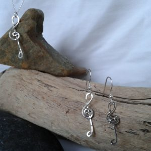 sterling silver treble clef pendant necklace earring set