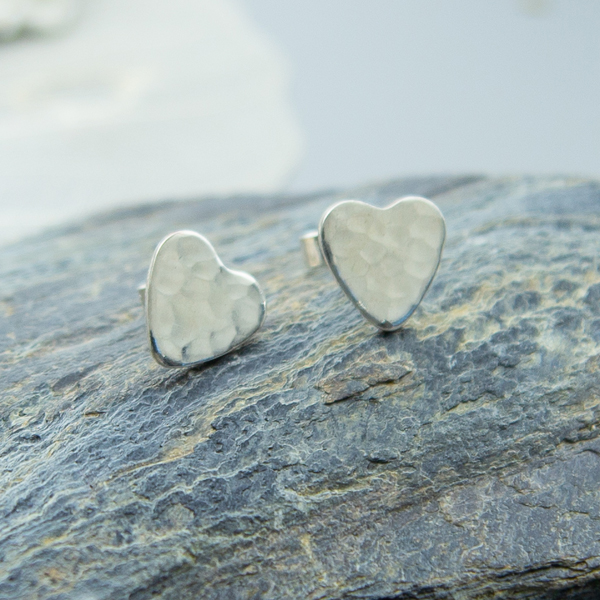 tiny-hearts-studs-THS-02