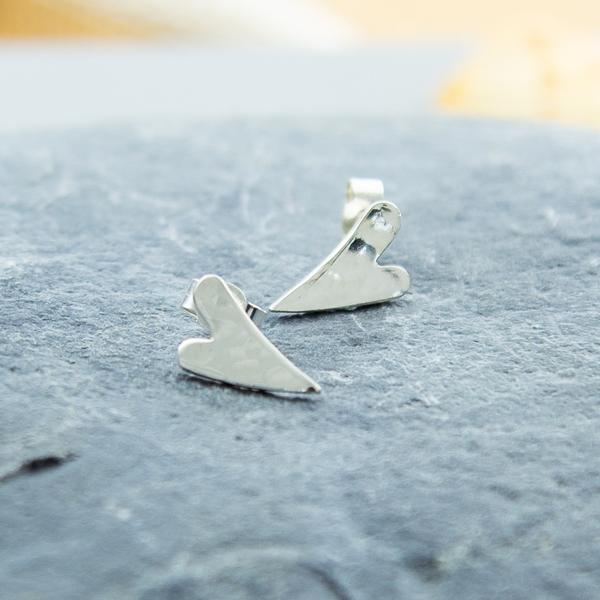 tiny-long-heart-studs-TLHS-01