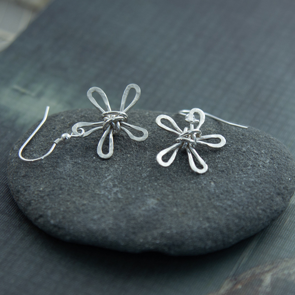 wire-daisy-earrings-WDE-01